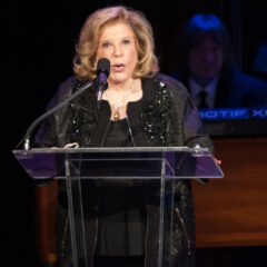 Wallis Annenberg receives inaugural Kennedy Center Award for the Human Spirit
